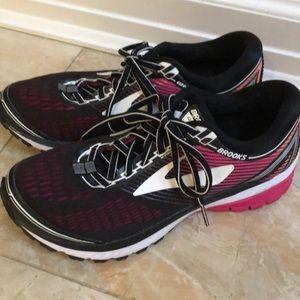 Brooks ghost 10 women's running sneakers